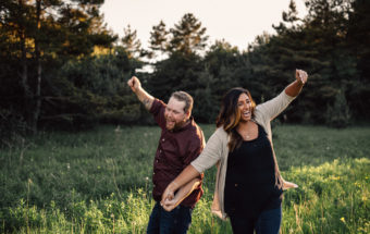 what to expect at an engagement photo shoot